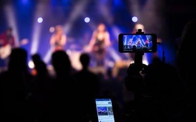 ¿Cómo hacer una transmisión en vivo sin salir de casa?